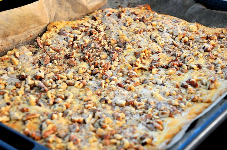 miss red fox: Rumänischer Nusskuchen vom Blech - Romanian walnut cake