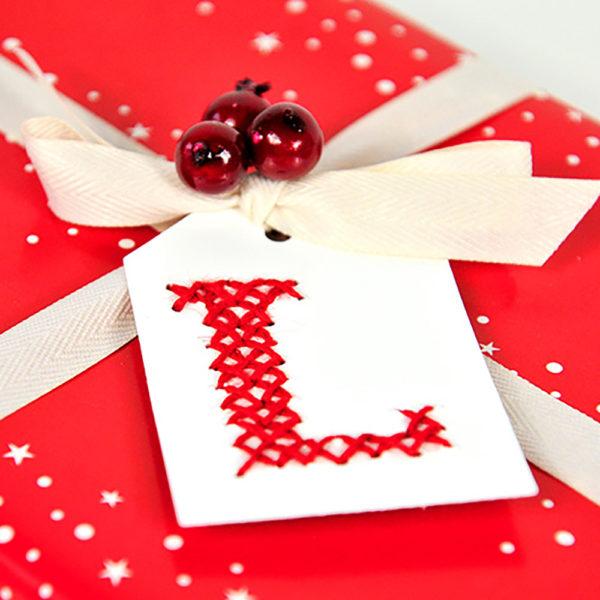 miss red fox - Bestickte Geschenketiketten