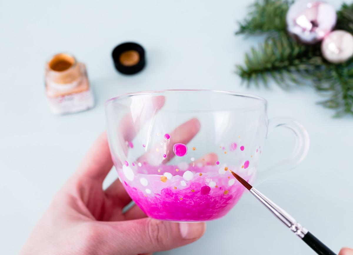 Kathy Loves - Last Minute Geschenk - DIY Teetasse mit Glasfarbe Weihnachten - 02 - missredfox - 12giftswithlovegoesXMAS - 15
