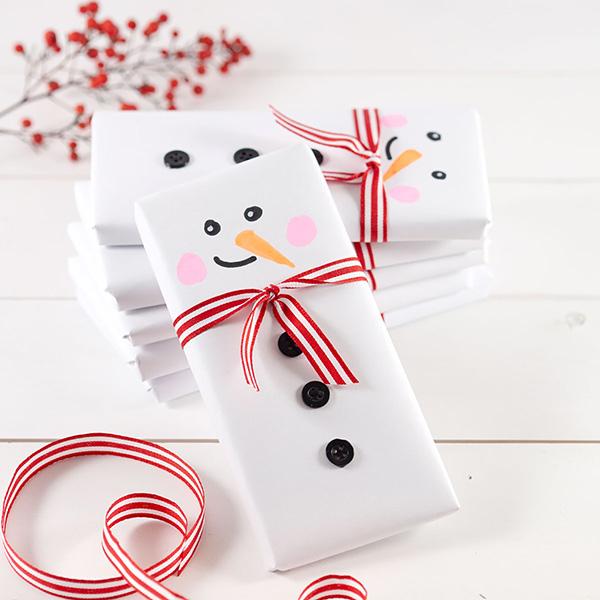 missredfox - 12giftswithlovegoesXMAS - 17 - Johanna Rundel - Last Minute Geschenk - Schokolade im Weihnachtsmann-Kostüm