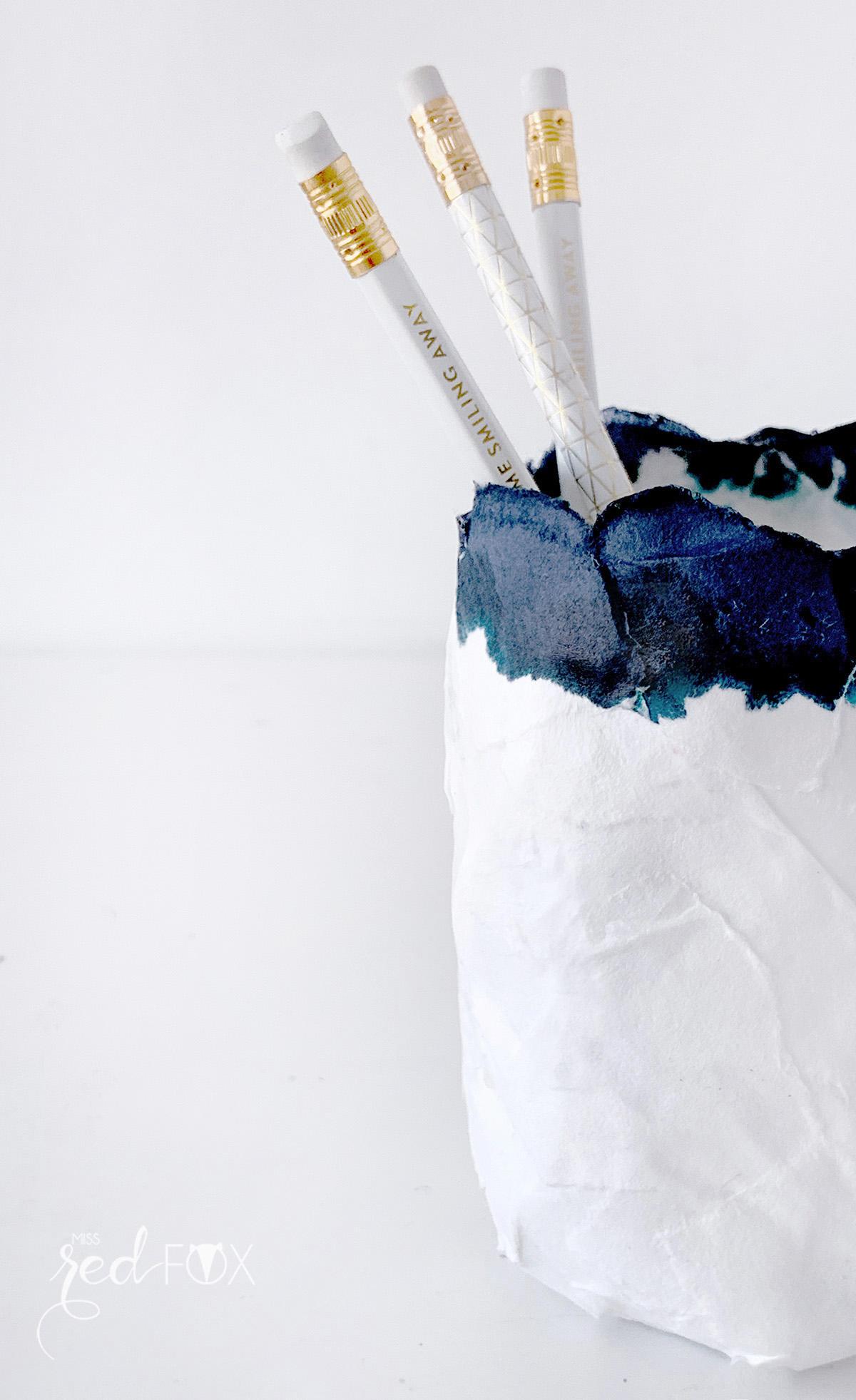 missredfox - 12giftswithlove - Minimalistisch - Pappmaché Schalen Vase Indigo - 07