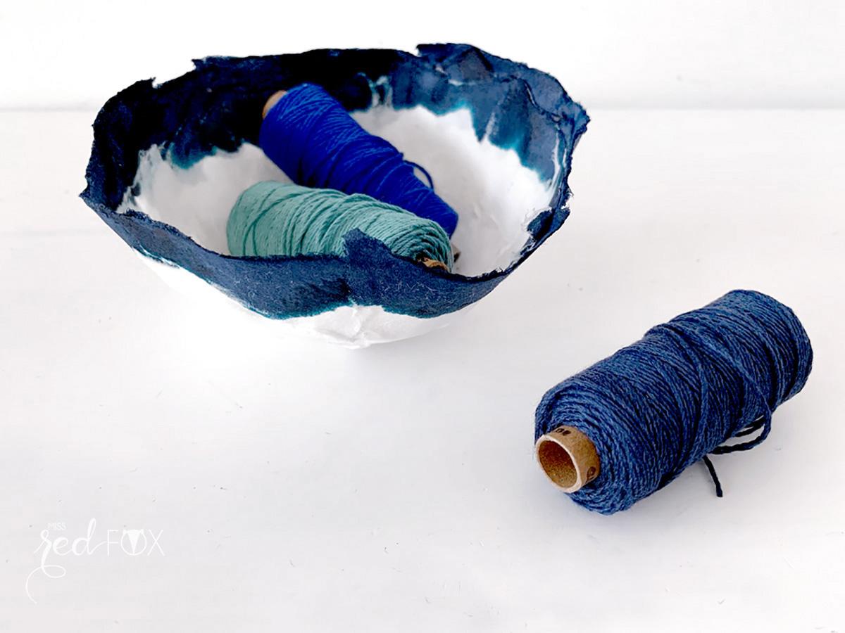 missredfox - 12giftswithlove - Minimalistisch - Pappmaché Schalen Vase Indigo - 08