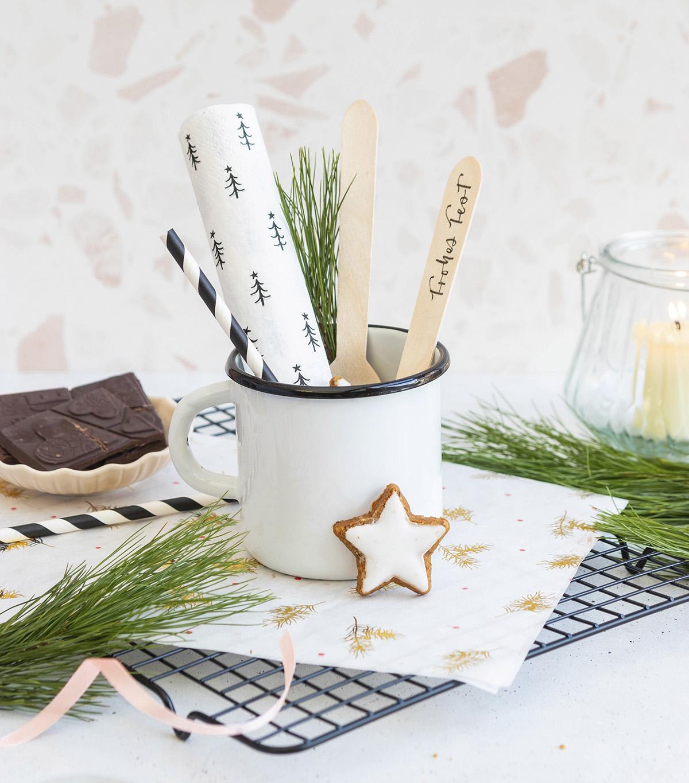 missredfox - 12giftswithlovegoesxmas - 9 - Herr Letter - DIY Heiße Schokolade am Stiel Geschenk aus der Küche 1
