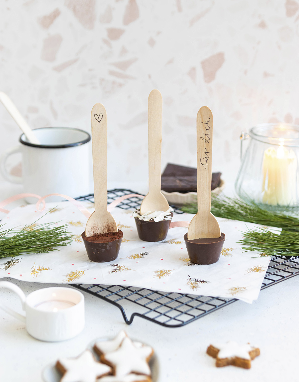 missredfox - 12giftswithlovegoesxmas - 9 - Herr Letter - DIY Heiße Schokolade am Stiel Geschenk aus der Küche 2
