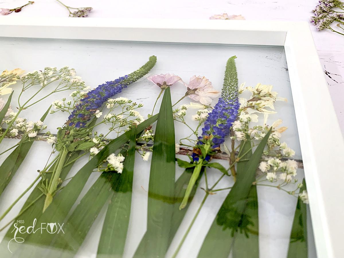 missredfox - 12giftswithlove - Muttertag - Bild mit gepressten Blumen - 05