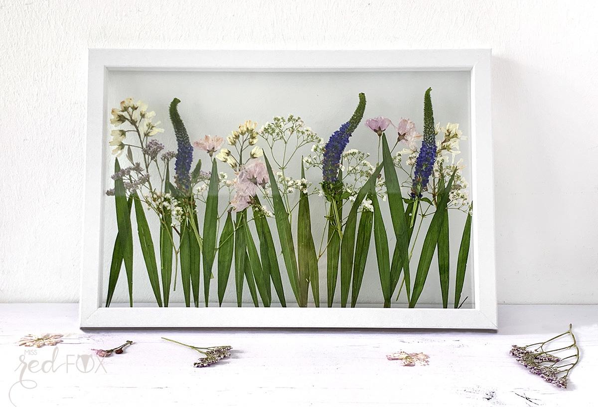 missredfox - 12giftswithlove - Muttertag - Bild mit gepressten Blumen - 06