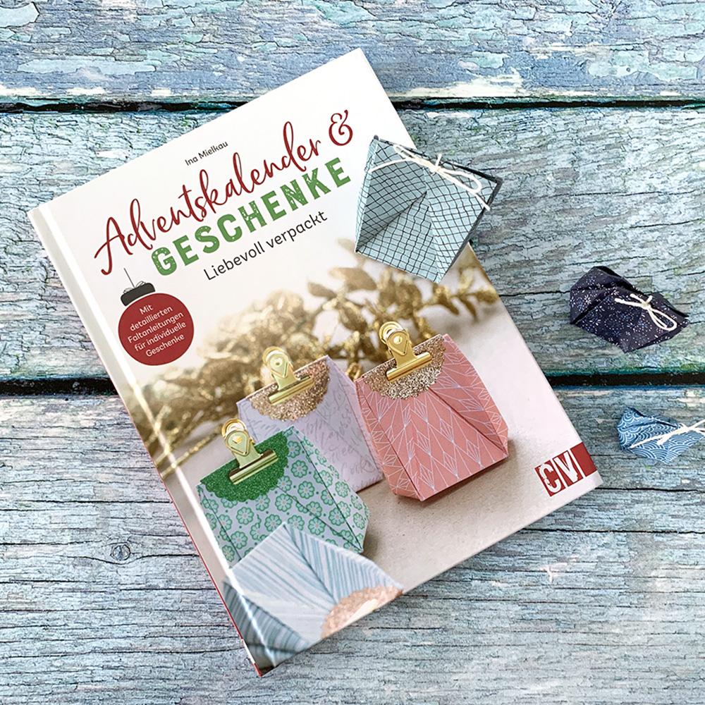 """Buchrezension """"Adventskalender & Geschenke"""""""